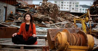 Mertesger listens to earth VII (Performance in Tétouan, Morocco 2015)