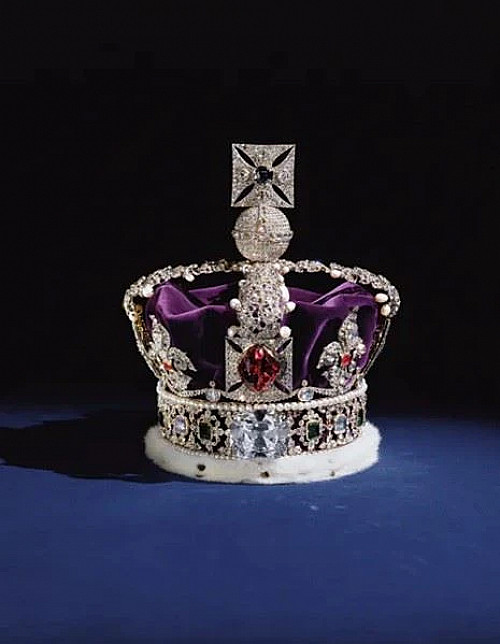 """Mutual Art: 'Looted Art: The Weight of """"Ancient"""" Crowns and Jewels'"""